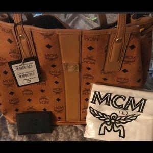 Authentic MCM Liz Medium Shopper Tote w/ pouch